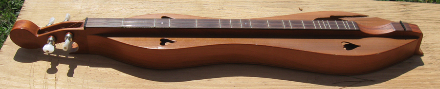 Jean Ritchie dulcimer before repair